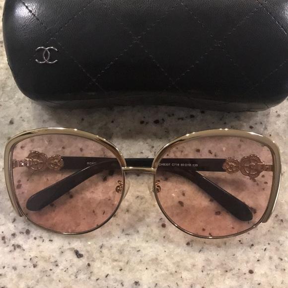 f35cfa6e22c0 CHANEL Accessories - CHANEL Oversized sunglasses